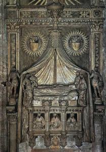 Venezia,_Basilica_Frari,_Presbiterio,_Monumento_Foscari