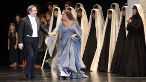 """Salzburger Festspiele 2017   Premiere """"Aida"""" im Großen Festspielhaus Schlussapplaus Foto: Franz Neumayr       6.8.2017 Im Bild Ricardo Muti und Anna Netrebko"""