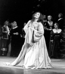 Joan-Sutherland-in-Lucia